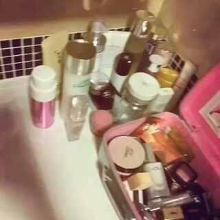 分享一部分化妆品和护肤品 💅我把传说中好用的化妆水全入了 还有一部分化妆品在小房子里 #晒晒自己的化妆品#