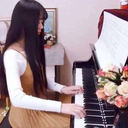 """送给张先生的《暖暖》。月朗泪凝微信公众号:yuelangleining(拼音),回复""""暖暖""""即可收到,欢迎关注收听更多曲目。#音乐##钢琴##情人节快乐#"""