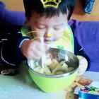 #宝宝##男神##史上网红最多生日趴#☺☺爱吃水果的小丑丑来了😍😍😍😍