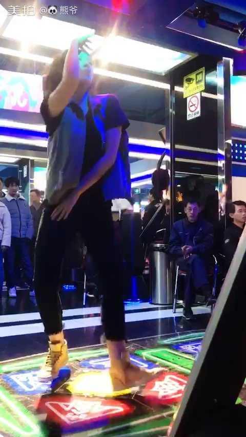 #e舞成名# 好久没去玩#跳舞机# 不会跳了,