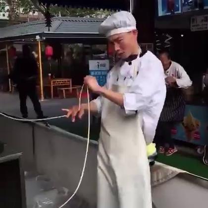 老板,来碗红骚牛肉面!