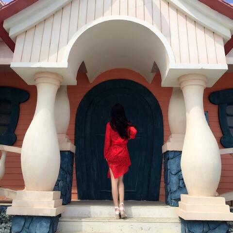 【莫妮卡迪美拍表情文】喜欢红色蕾丝#背影杀手大赛##背...
