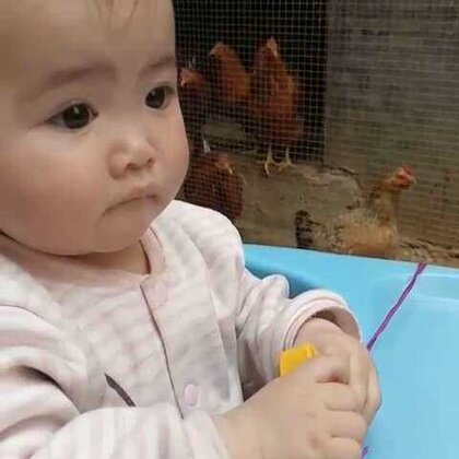 #宝宝##萌宝宝##小鸡小鸡#看小虾米醒来不是很精神的样子,麻麻带你去看鸡鸡🐔~