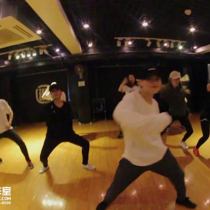 北京嘉禾舞社 雍和宫 可人 @Sugar罗可人 Jazz课堂视频 Shape Of You | 想学最好看最流行的舞蹈就来嘉禾舞蹈工作室。报名热线:400-677-8696。微信账号zahaclub。网站:http://www.jiahewushe.com