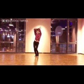 翻到女神几年前的编舞😛看了好几天😹快被这歌洗脑了😑lia kim choreography | 773 love Jeremih @LIAKIMhappy #舞蹈##我要上热门@美拍小助手#鑫哥也来跳支你姐的舞🙈@YiMSUN