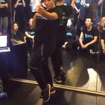lockeroo Beijing workshop solo3 演示变装皇后和dance的区别 #waacking##舞蹈#