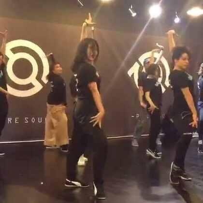 lockeroo Beijing workshop 编舞部分 看似简单的动作其实分分钟逼死我这种记动作慢的人🐒 #waacking##舞蹈#