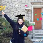 终于毕业啦,不过感觉拿了个假文凭~ 桑心😂😂 #SNOW相机##开学季##毕业季#