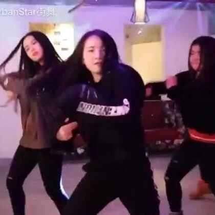 大片来咯,#罗平油菜花##罗平街舞##罗平城市之星舞蹈工作室#假期后的第二支舞是张建鹏老师的编舞哟,