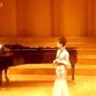 10年前的小小包,唯一不变的是对笛子的热爱。还有.................圆脸。😆😆当时钢琴是即兴伴奏,上台前只合了一次,这难得的经验指给了我努力的方向。《沂蒙山歌》笛子独奏:小董敏 #民乐##音乐#@美拍小助手