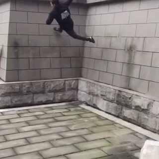 【跑酷小松】飞檐走壁!✌✌#跑酷#