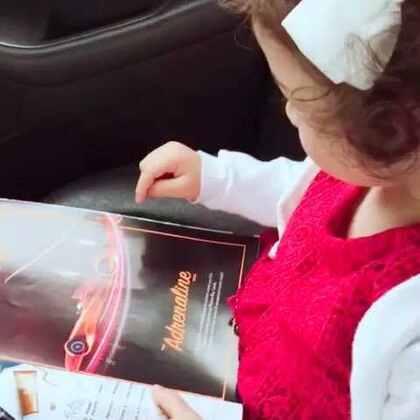 在杂志上看到金沙酒店,momo一下就认出那是爸爸工作的地方☺