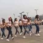 激昂的青春停不下来,长腿美女们在鸟巢上演炫酷的鬼步舞!来围观哇#女神##北京鸟巢#