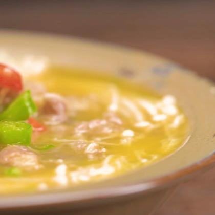 做一碗酸辣热呼的酸汤肥牛#美食##魔力美食#