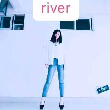 #舞蹈##river#最近超火🔥的抽烟舞🚬看到有好多人跳的都超帅啊🙈我就一小段,希望大家喜欢!宝贝们轻喷🙌🏻@美拍小助手 #元熙舞蹈#这舞我已经中毒了😻😻😻