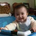 #宝宝##萌宝宝##小虾米吃袜子#鬼灵精怪的,太调皮啦!