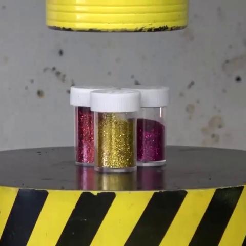 【科技原理美拍】100吨液压机vs烧红的扳手,隔着...