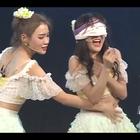 跟着戴萌来段迷情恰恰,蒙着眼睛更带感😜#我要上热门##搞笑##舞蹈#微博👉https://weibo.com/u/6069831848