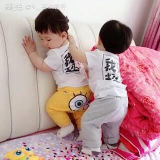 嗨皮嗨皮#龙凤胎宝宝##搞笑##美拍小助手#