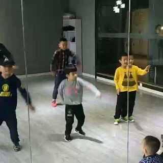 #青海西宁km街舞##少儿街舞#少儿poppin班 随堂拍