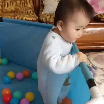 #宝宝##萌宝宝##搞笑宝宝#来个快闪😝😝