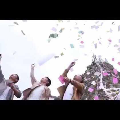 ༼གེ་སར་རྒྱལ་བོ།༽大型原创音乐专辑《走进称多》之《格萨尔王》官方MV 🎬作词:智江·才仁多杰 作曲:拉杰·更松 演唱:三江源兄弟组合 摄影:@李知布多杰 @三江源兄弟组合♬
