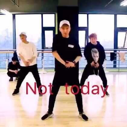 #舞蹈##防弹少年团##Not today #好久没发舞蹈视频了,喜欢的朋友记得点点赞哦👍🏻