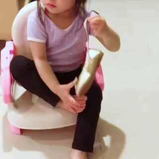 自己練習穿鞋子👍#寶寶##我是媽媽#