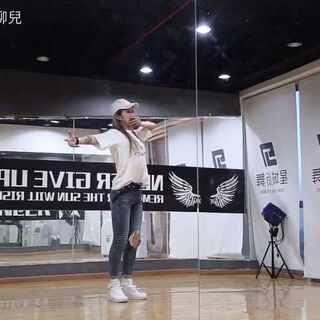 🙈鹿晗-敢🙈镜面已出,请注意查收,晚上还会发《Really really》哈哈哈哈😂微博https://weibo.com/u/3810313651 #舞蹈##鹿晗敢roleplay##男神#