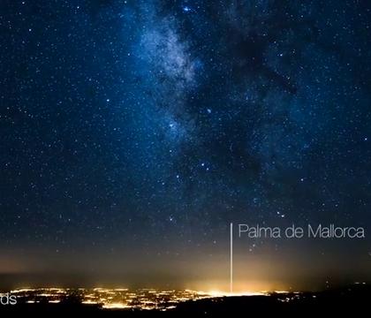 一位飞行员在飞越大西洋时拍下的银河,美到窒息...