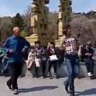 #舞蹈##seve舞蹈#厉害了!大爷版的鬼步广场舞 ,6的没话说👍@美拍小助手 喜欢请点赞+转发 更多精彩请关注微博:一起看MV