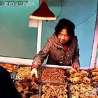买菜的阿姨老江湖了啊