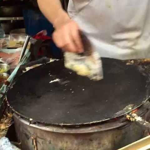 #吃秀##山东视频#黄瓜背景绿豆粥,周六早-吃煎饼葭牛肉蒹图片