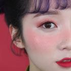 #美妆时尚##我要上热门##草莓妆#双丸子头搭配夏季草莓妆,让人看了都想亲一口~😘😘