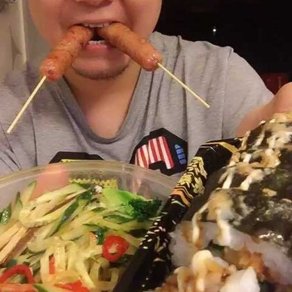 #吃秀#这点儿了,估计都饿了吧,嗯,放视频🤓