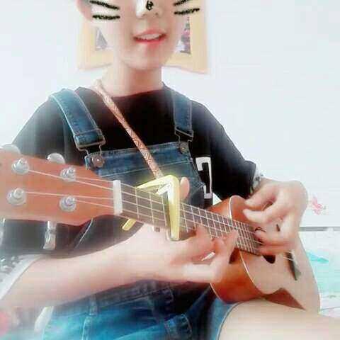 面?? 尤克里里弹唱 微微一笑很倾城 音乐视频 李木子 楠楠的小世界