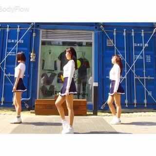 第一次三个人的外景,相知相遇香蕉😂对不起我又开车了.#tinaboo编舞##敏雅舞蹈#@SUANQI😁 @阿卡丽🌙 小伙子们开车了!@敏雅可乐 #韩国舞蹈#