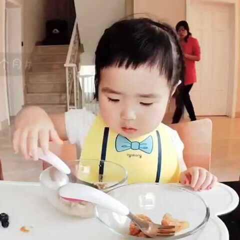 【小蛮🌸美拍】早餐。主食燕麦粥。#可爱吃货小...