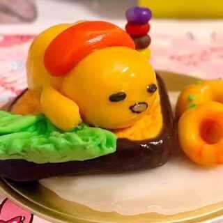 #手工##懒蛋蛋手作##手工玩偶diy#😂捏了一个很可爱的懒蛋蛋君~嘿嘿~宝宝们也来吧!我期待你们的,懒蛋蛋~😂我是用树脂土结合粘土做的哦~最后刷了透明指甲油~效果还不错~pp很性感~😂😂😂http://shop33112800.taobao.com