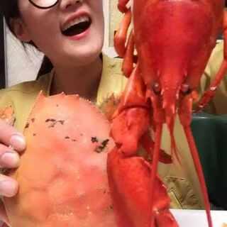 #吃秀##我要上热门##我要上热门@美拍小助手#虾兵蟹将,今天这只珍宝蟹也一般!不过还是很鲜的!龙虾还是不错的哦😍😍😍😍😍😍😍😍😍😍