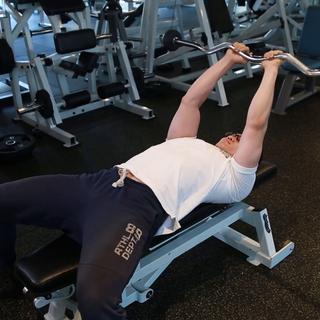 #健身教程#一套完整的肱三头肌训练计划,让你今夏拥有完美肌肉!#肱三头肌##男神#