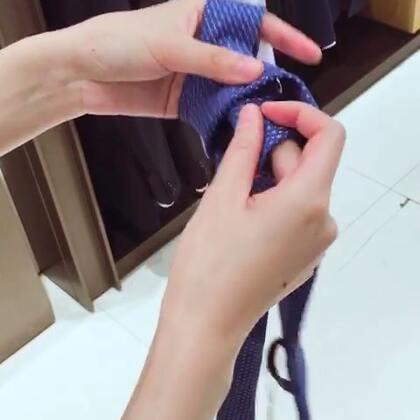学会了打领带~👔