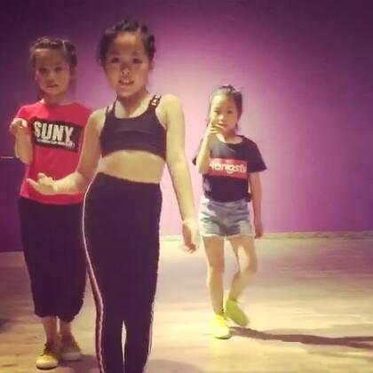 舞蹈练习记录#宝宝##舞蹈#魏艺萱