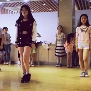 #舞蹈##pristin - wee woo##@敏雅可乐#