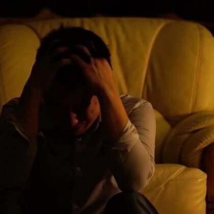 """#小布的日常生活# """"创作吧!少年""""参赛作品 自编自导自演自拍惊悚短片《妄》 ▹慎!!!"""