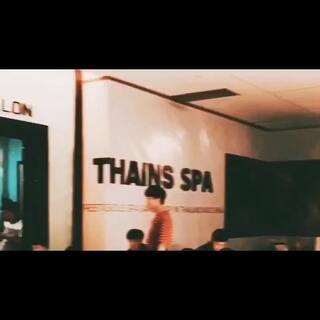 韩庚来店里拍摄新片 期待上映 预祝大卖🎬#前任攻略3##韩庚#