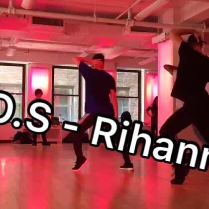 來更新啦!今天下午上的課,Neil Schwartz編舞Rihanna-S.O.S! #舞蹈##爵士舞##jazzfunk##streetjazz##纽约##diamondfreak##peterchow##choreography#