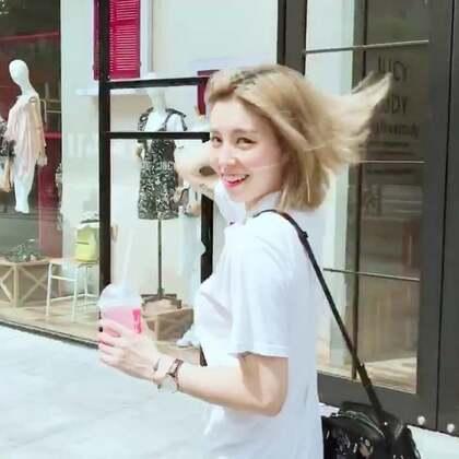 超激动!出了名不爱洗头的我,真的以为这辈子都不会有洗护品牌的广告了!!但是!飘柔就是这么自信,首款温润卸妆级洗发水,承包傻饭一整年的桃花运,走着瞧,我要变成男神收割机,哼~ 对了,首尾的两个小#舞蹈#你们想看完整版咩 http://t.cn/RaMP7xn