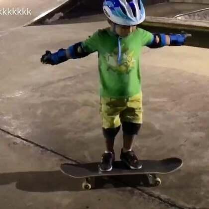 我的五岁小学生!#美拍运动季##运动##宝宝##男神##滑板##深圳滑板##深圳滑板教学##深圳滑板培训#