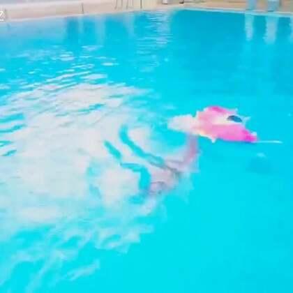 这只叫海牛#运动##自由潜水##美人鱼#
